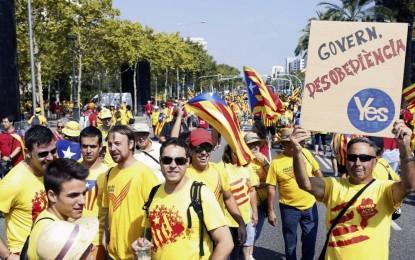 """Secesionistas alentadas por la dejación del Estado y extrema izquierda cautivan la juventud con """"Derecho a decidir"""" o """"Democracia popular"""""""